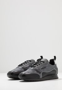 Cruyff - GHILLIE - Sneakersy niskie - dark grey - 2