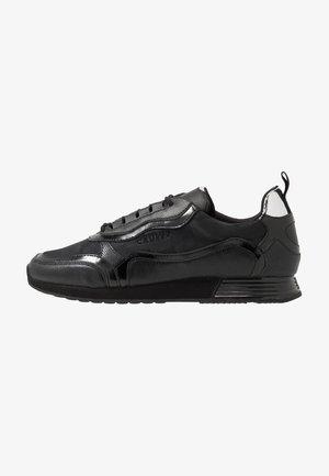 GHILLIE - Sneakersy niskie - black