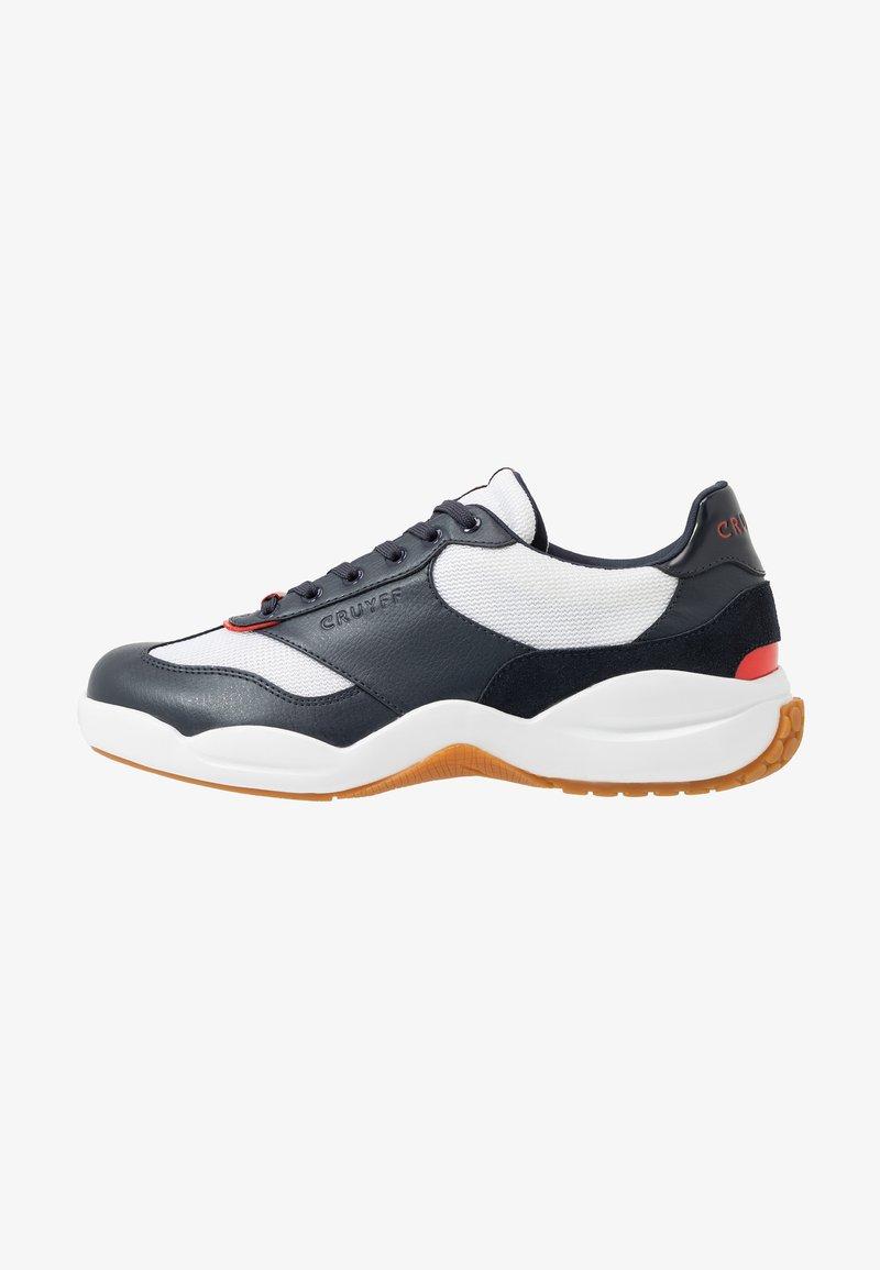 Cruyff - LIGA - Sneakersy niskie - white/bright red