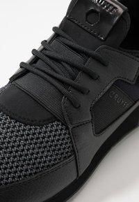 Cruyff - TRAXX - Sneakersy niskie - dark grey - 5