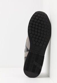 Cruyff - LUSSO - Sneakers - grey - 4