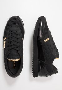 Cruyff - RIPPLE RUNNER - Trainers - black/gold - 1