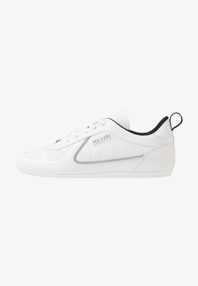 NITE CRAWLER - Sneakers - white