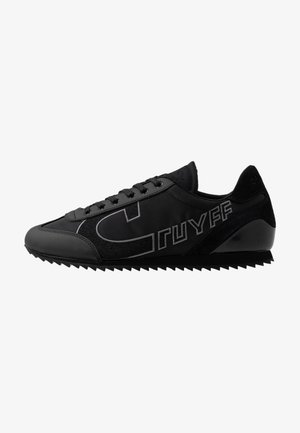 ULTRA - Sneakersy niskie - black