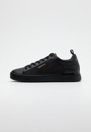PATIO LUX - Matalavartiset tennarit - black