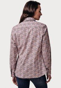 Crew Clothing Company - LULWORTH POPLIN - Overhemdblouse - pink - 2