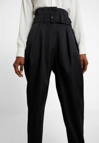 Cras - ALADINCRAS PANTS - Pantalon classique - black - 4