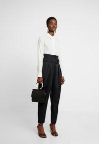 Cras - ALADINCRAS PANTS - Pantalon classique - black - 2