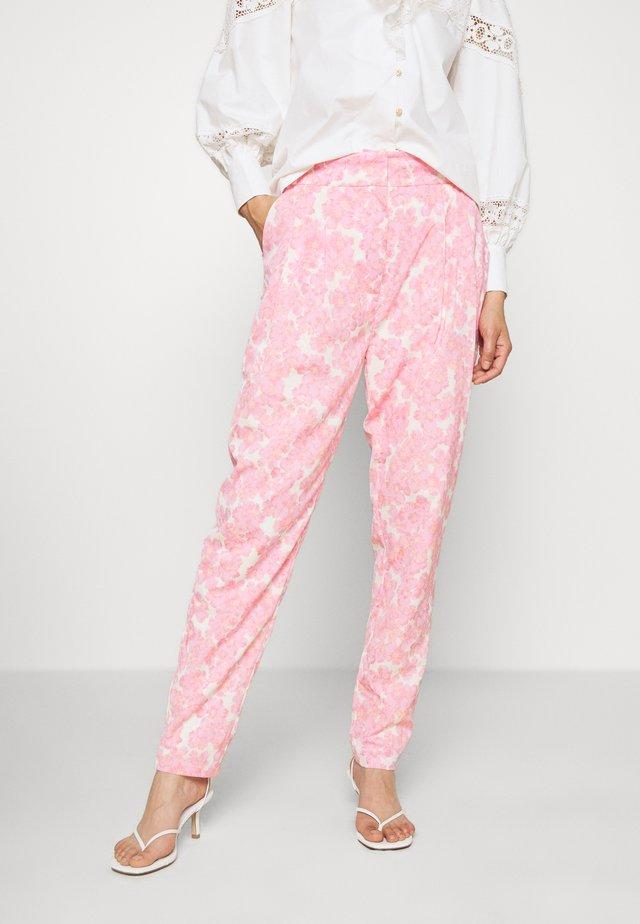 ORLANDO PANTS - Kangashousut - pink/white