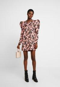 Cras - ROZANNACRAS DRESS - Robe chemise - camillo - 2
