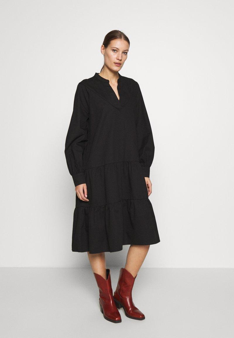 Cras - LUCIACRAS DRESS - Robe d'été - black