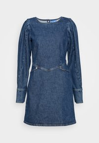 Cras - FANNYCRAS DRESS - Robe en jean - denim light blue - 0