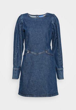 FANNYCRAS DRESS - Farkkumekko - denim light blue