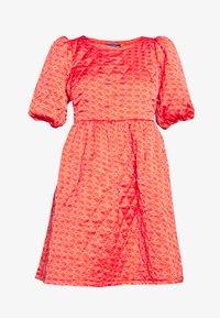 Cras - QUILT DRESS - Robe d'été - orange monogram - 4