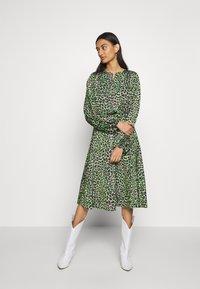 Cras - LANI DRESS - Day dress - green leo - 0