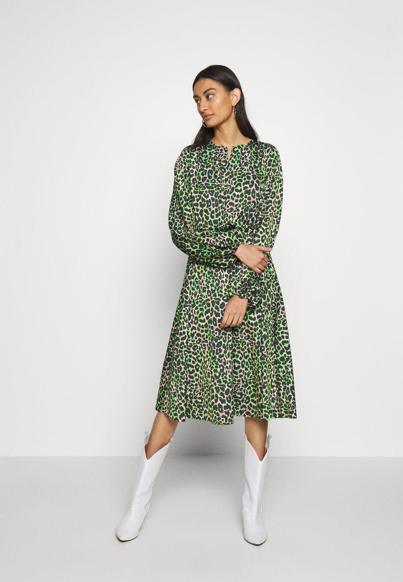 Cras - LANI DRESS - Day dress - green leo
