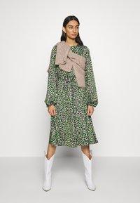 Cras - LANI DRESS - Day dress - green leo - 1