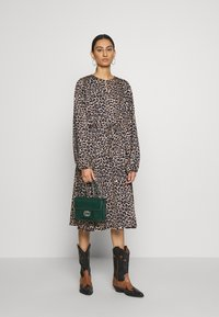 Cras - LANI DRESS - Robe d'été - brown - 1