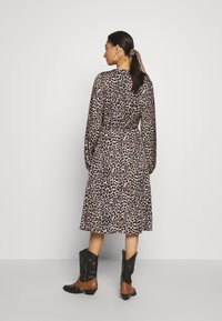 Cras - LANI DRESS - Robe d'été - brown - 2