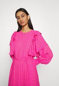 Cras - ZAGA DRESS - Robe d'été - pink/red - 3