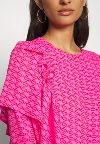 Cras - ZAGA DRESS - Robe d'été - pink/red - 5