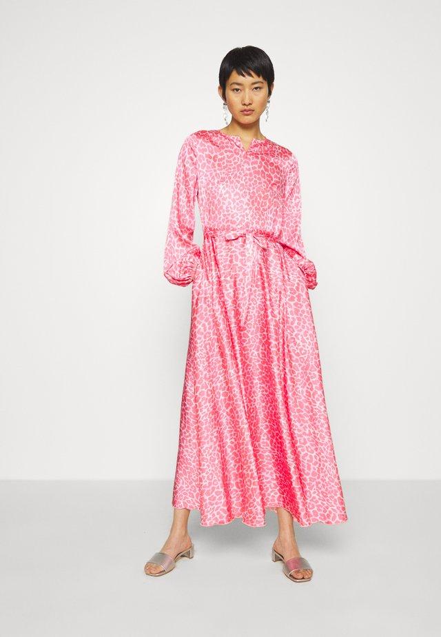 GLORIACRAS DRESS - Vestido largo - pink