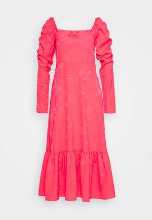 LISECRAS DRESS - Kjole - paradise pink