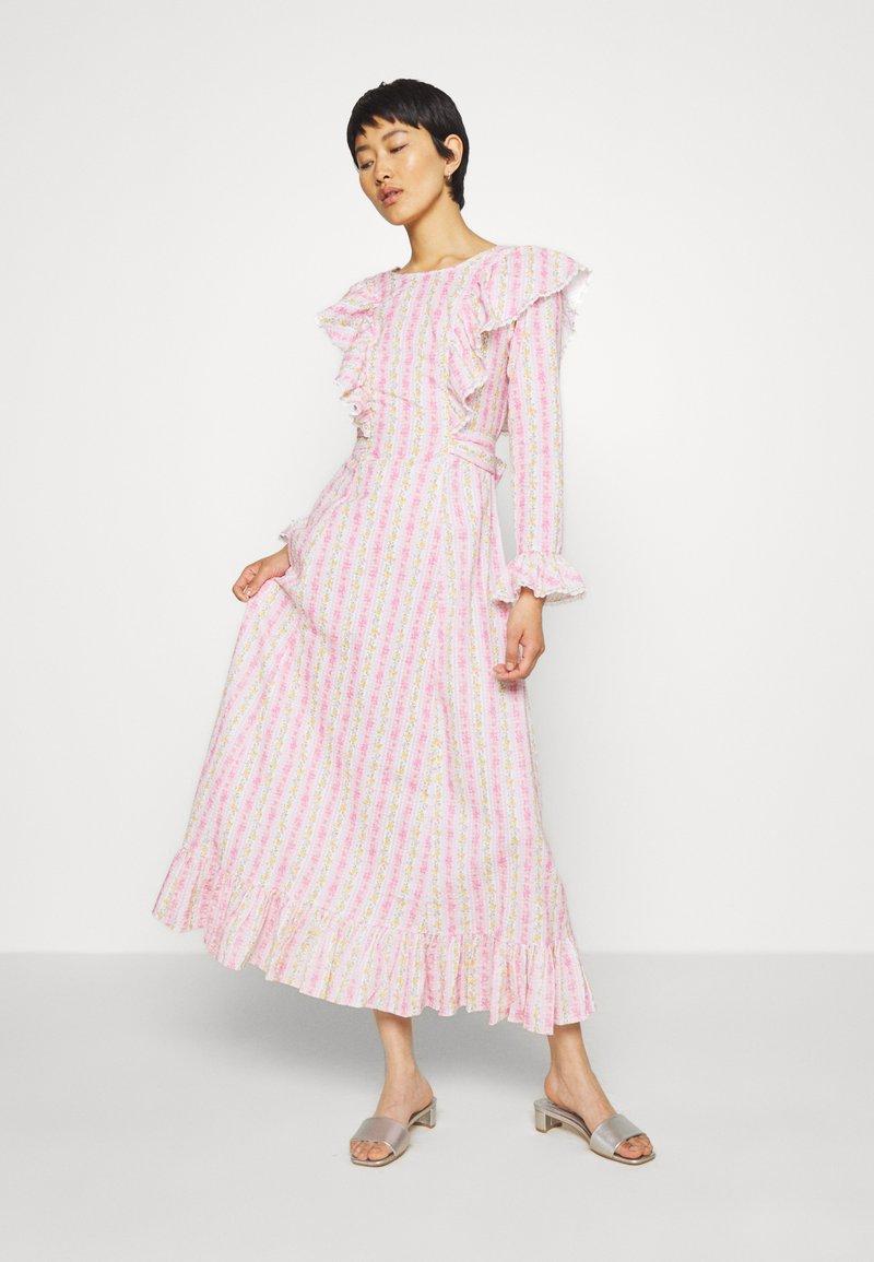Cras - DRESS - Długa sukienka - alana