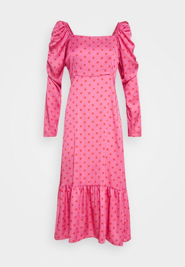 PILCRAS DRESS - Vapaa-ajan mekko - pink