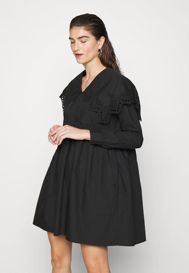 LUICRAS DRESS - Vapaa-ajan mekko - black