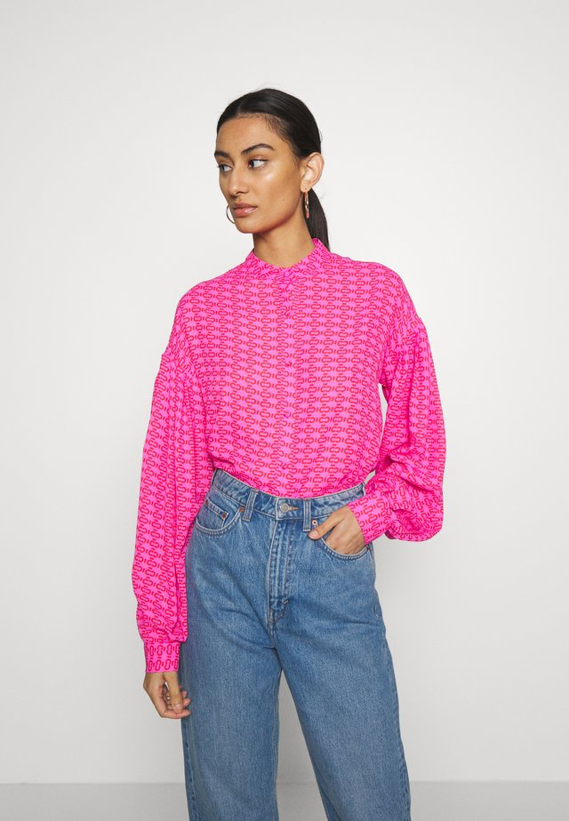 ZAGA SHIRT - Button-down blouse - pink/red