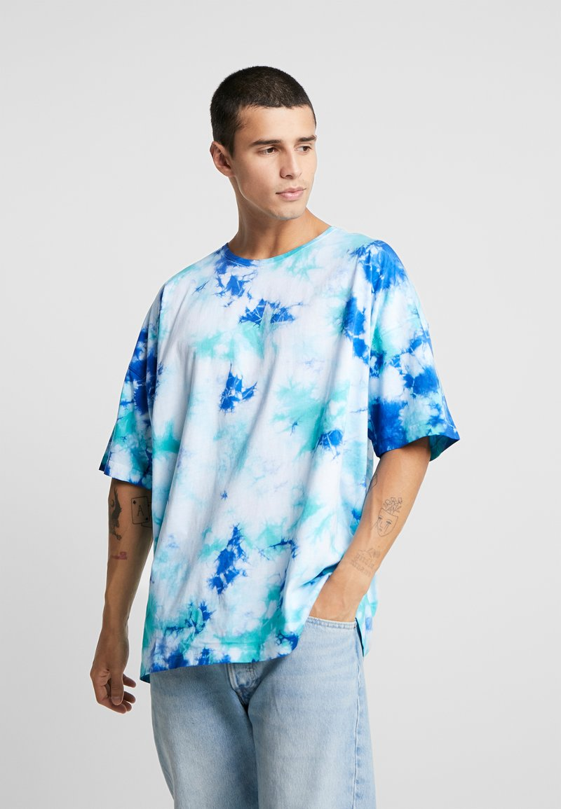 Cayler & Sons - MEANING OF LIFE TIE DYE BOX TEE - T-shirt imprimé - white/blue