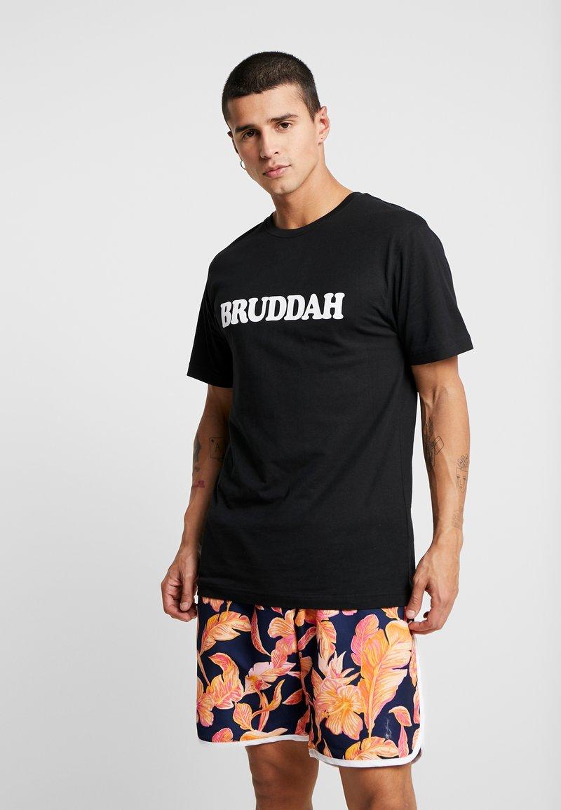 Cayler & Sons - BRUDDAH TEE - Print T-shirt - black/white