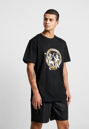 FALLEN ANGELS TEE - Camiseta estampada - black