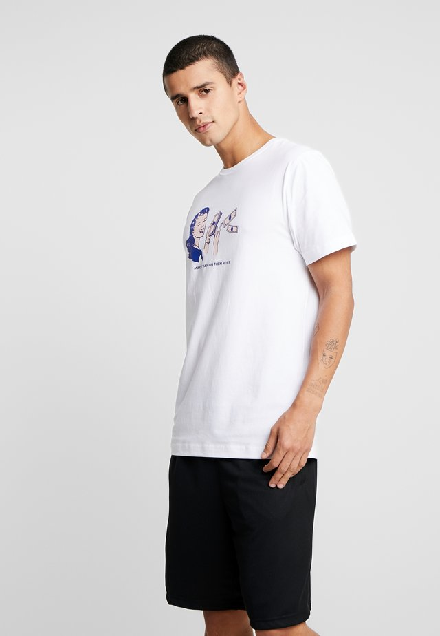 ROBYN TEE - T-Shirt print - white