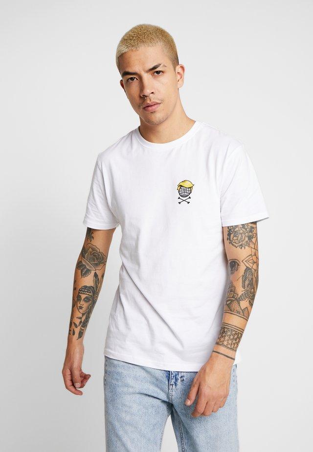 WE'RE FUCKED TEE - T-shirts print - white