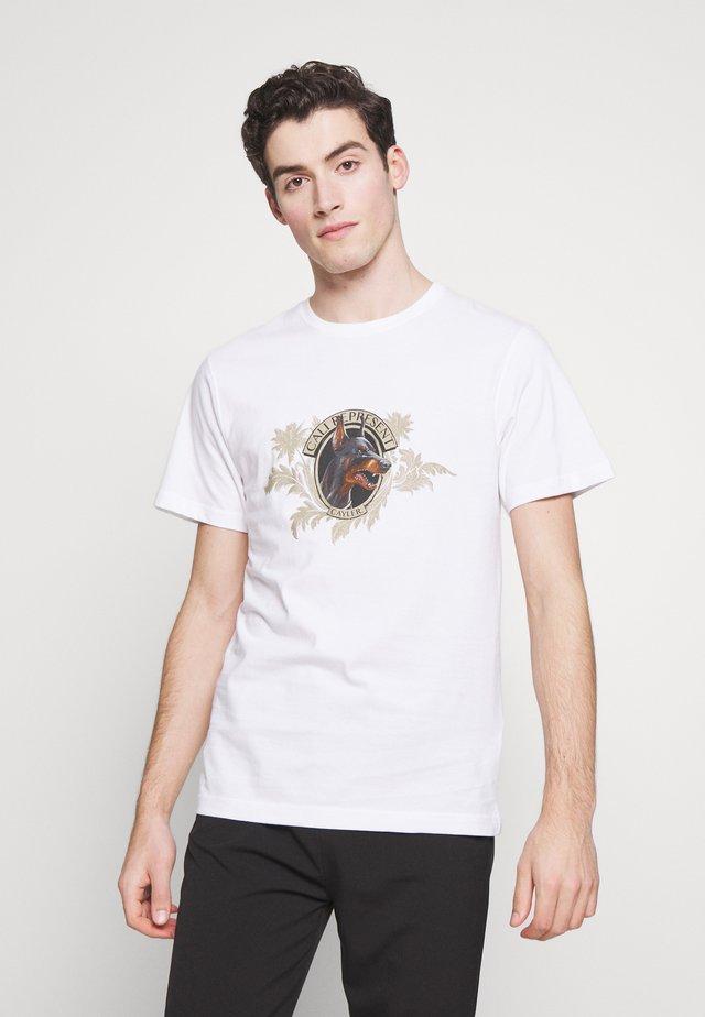 WHOOO TEE - T-shirt z nadrukiem - white