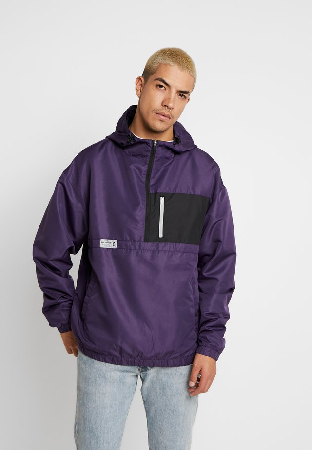 FORM HALFZIP WINDBREAKER - Vindjakke - purple/black