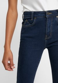 Current/Elliott - THE 7-POCKET STILETTO - Jeans Skinny - demir - 3