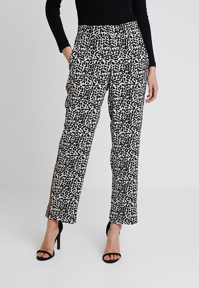 ANDREA PANTS - Trousers - whitecap