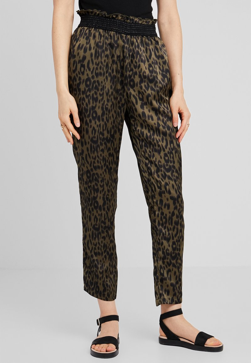Culture - CUNIHAL PANTS - Stoffhose - burnt olive