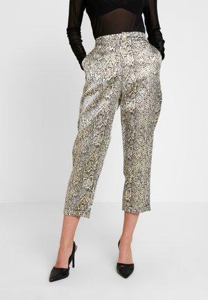 CURUSLA PANTS - Pantalon classique - gold metallic