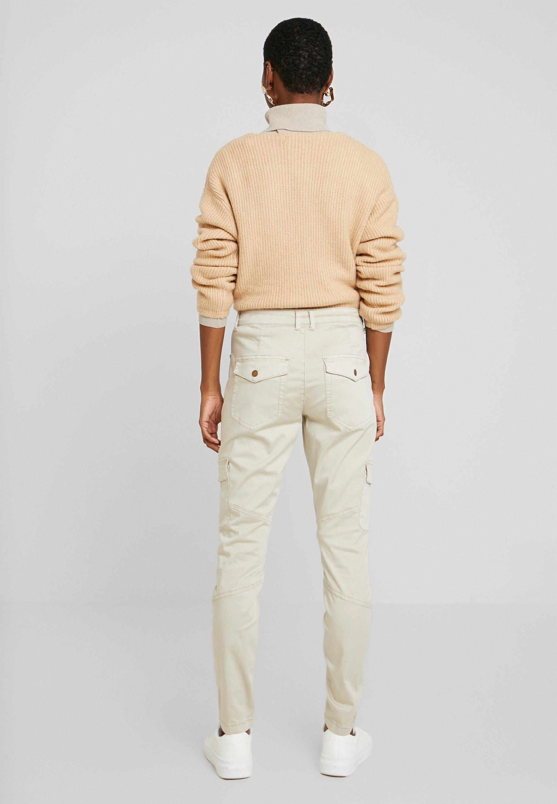 Culture CUBERITA CARGO PANTS - Spodnie materiałowe - dune
