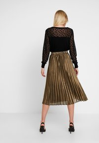 Culture - JUSTA SKIRT - Plisséskjørt - frosted almond - 2