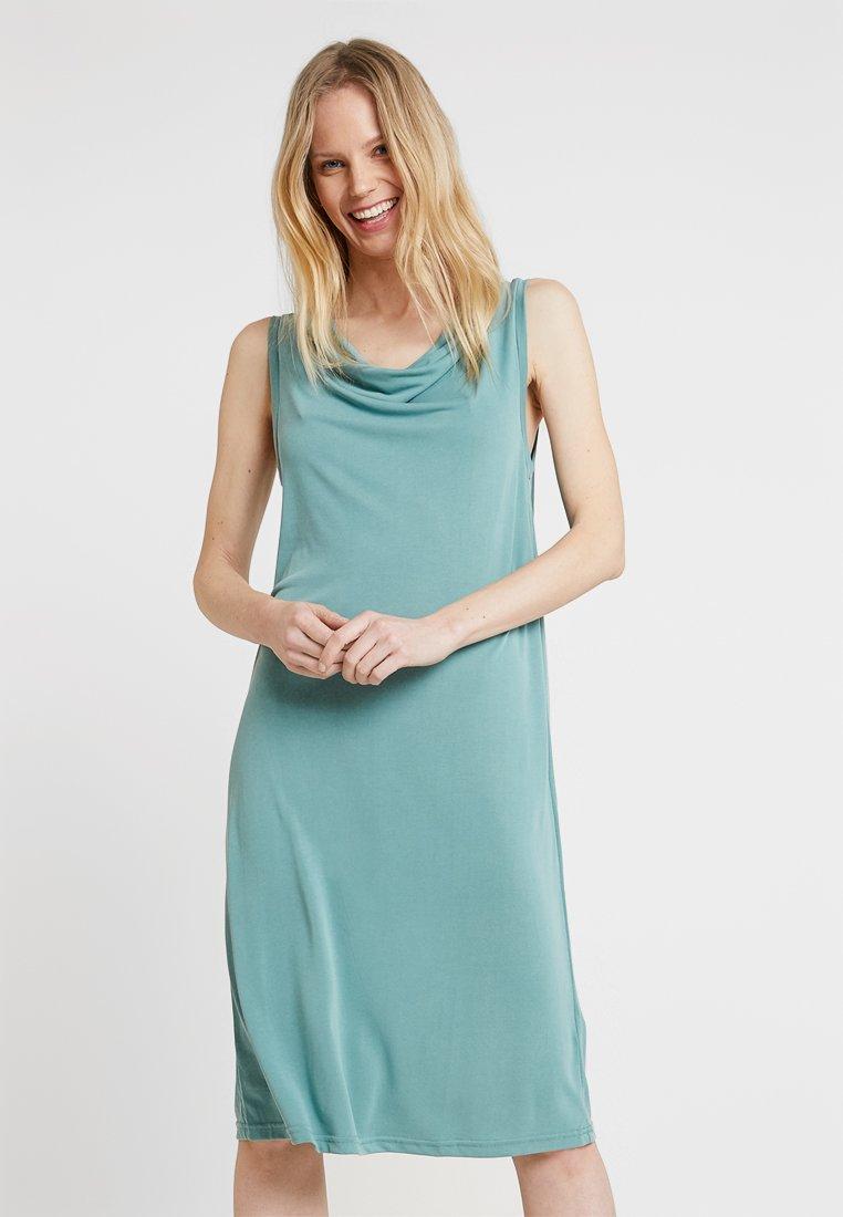 Culture - KAJSA WATERFALL DRESS - Jersey dress - beryl green