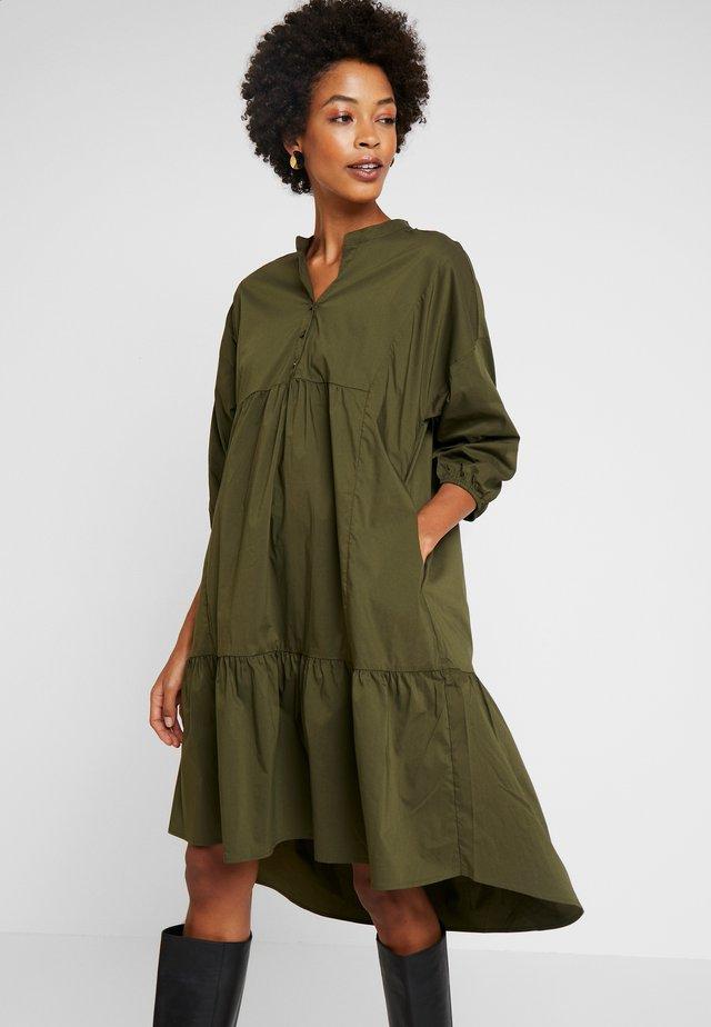ANTONIETT DRESS - Shirt dress - burnt olive