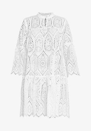 CUSADIE ANGLAISE DRESS - Vestido informal - spring gardenia
