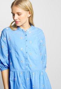Culture - CUNALA DRESS - Košilové šaty - powder blue - 4