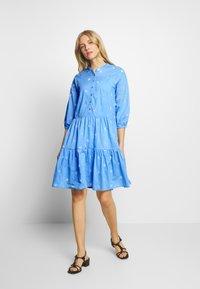 Culture - CUNALA DRESS - Košilové šaty - powder blue - 0