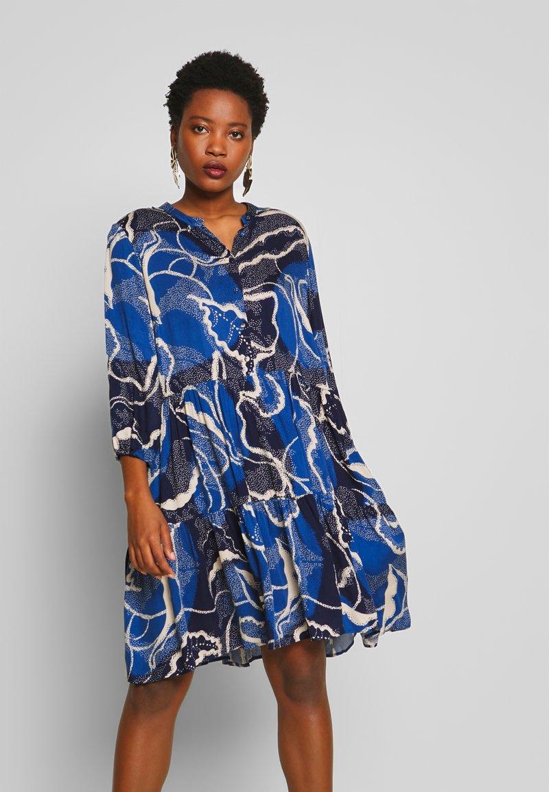 Culture - SHANIA LEAF DRESS - Day dress - blue iris